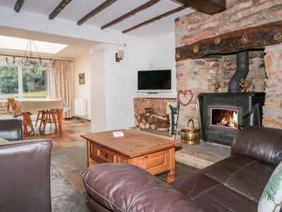 Twixt Cottage, Gloucestershire, Lydney