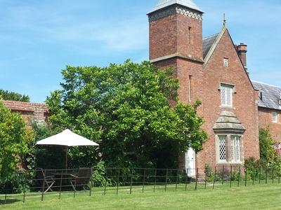 Cotton Cottage - Combermere Abbey
