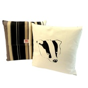 Tomato Catshop - Badger Onyx Stripe Cushion