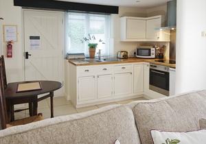 Wessex Cottage - Greenwood Grange, Dorset 4