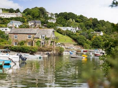 Island House, Cornwall, Cornwall