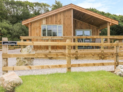 2 Merlin Lodge, Cornwall, St. Columb