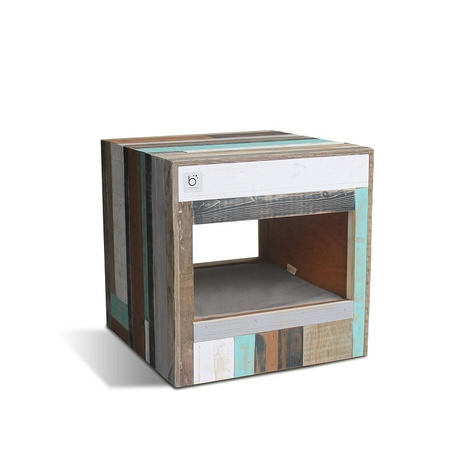 Bloq Eco Pet Bed & Side Table 10