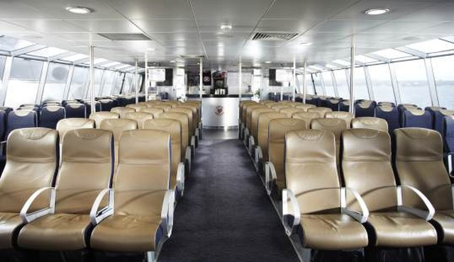 MBNA Thames Clippers River Bus 4