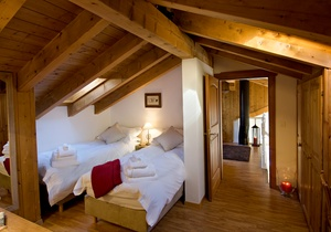 Carmen Mountain Chalet, Switzerland 3