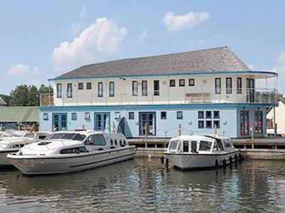 Waterside, Norfolk, Hoveton