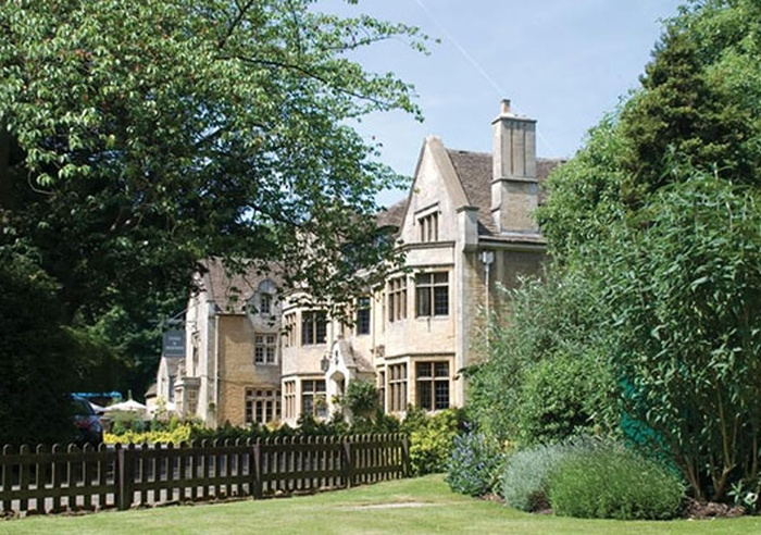 The Hare & Hounds Hotel, Gloucestershire 1