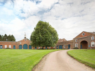 Courtyard Cottage, Buckinghamshire, Middle Claydon