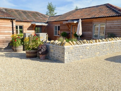 The Old Cowshed, Somerset, Mendip Farm Bungalow