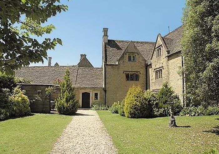 Foxes Manor, Gloucestershire 1