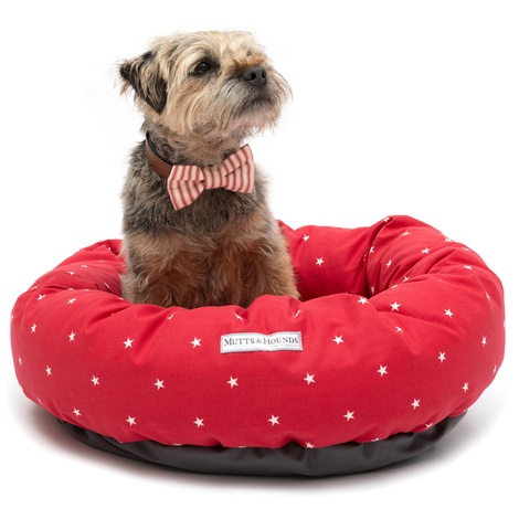 Cranberry Star Cotton Donut Bed 2