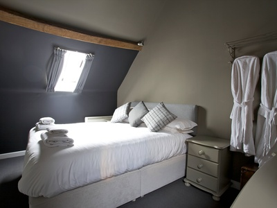 Saracen Cottage at The Kings Arms, Gloucestershire