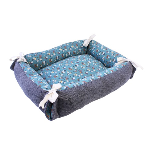 Tabby Chic Floral Reversible Cat Bed