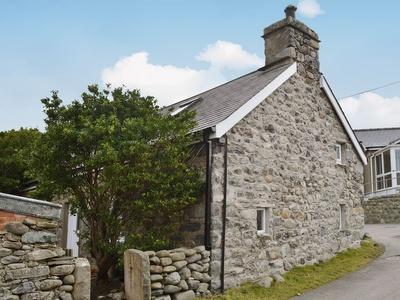 Dyserth, Caernarfon