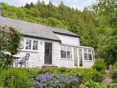 The Old Smithy, Powys, Llanbadarn Fynydd