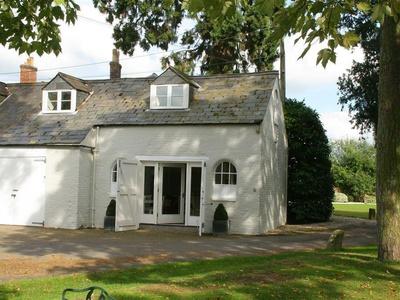 Comedy Cottage, Wiltshire, Malmesbury