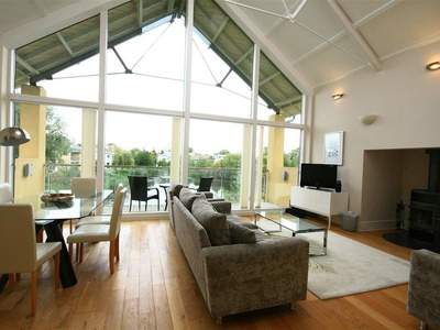 Puffin House, Gloucestershire, Cirencester