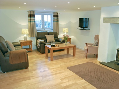 Number One - Home Park Farm Cottages, Cornwall, Helstone