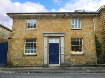 East Wing, Somerset, Crewkerne