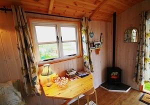 Rhossili Scamper Holidays - Dylan Shepherd Hut, Swansea 5