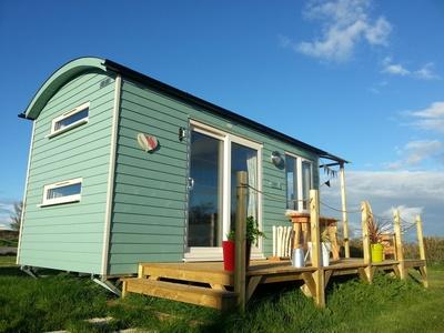 Rhossili Scamper Holidays - Super Grand Shepherd Hut, Swansea