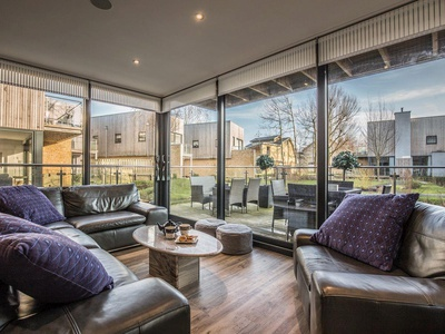 Le Mirage, Gloucestershire, Cirencester