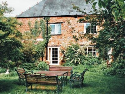 Bengough's Annexe, Gloucestershire, Breadstone