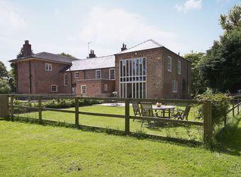 Curlew Barn, Lincolnshire