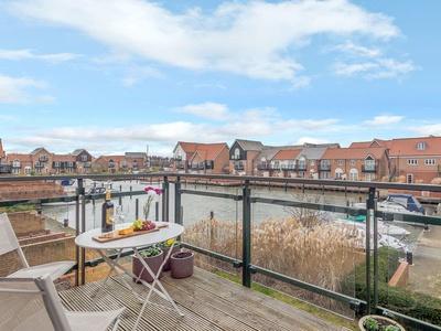 Quay Side, Lincolnshire, Lincoln