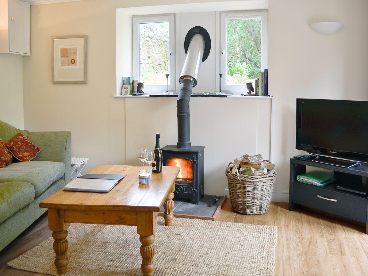 Dog-friendly Berryhill Cottage, Scottish Borders | PetsPyjamas